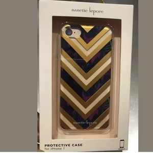 Nanette Lepore iPhone 7/8 Case Chevron Print